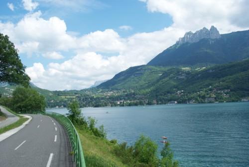 Lac d'Annecy depuis la piste cyclable (Juillet 2010)